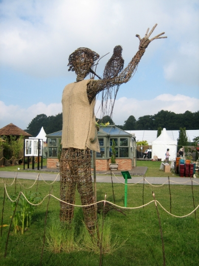Willow sculpture by Purple Sue - Large Scarecrow - Tatton Show Feature Scarecrow